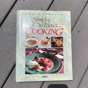 NWOT: SIMPLY DELICIOUS COOKING COOKBOOK RECIPES